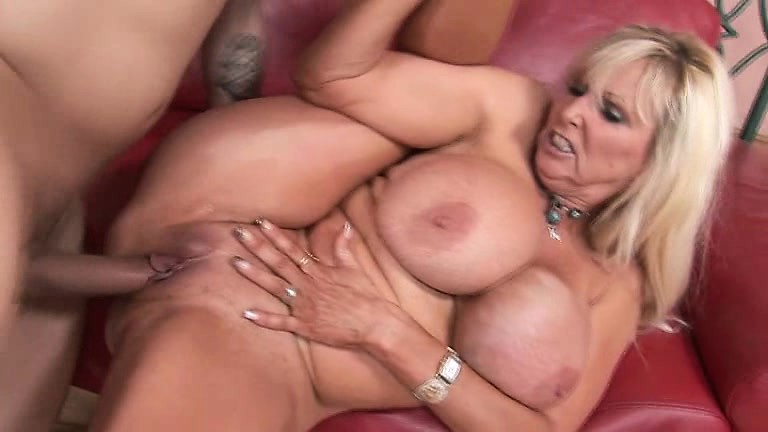 Blonde cougar fuck